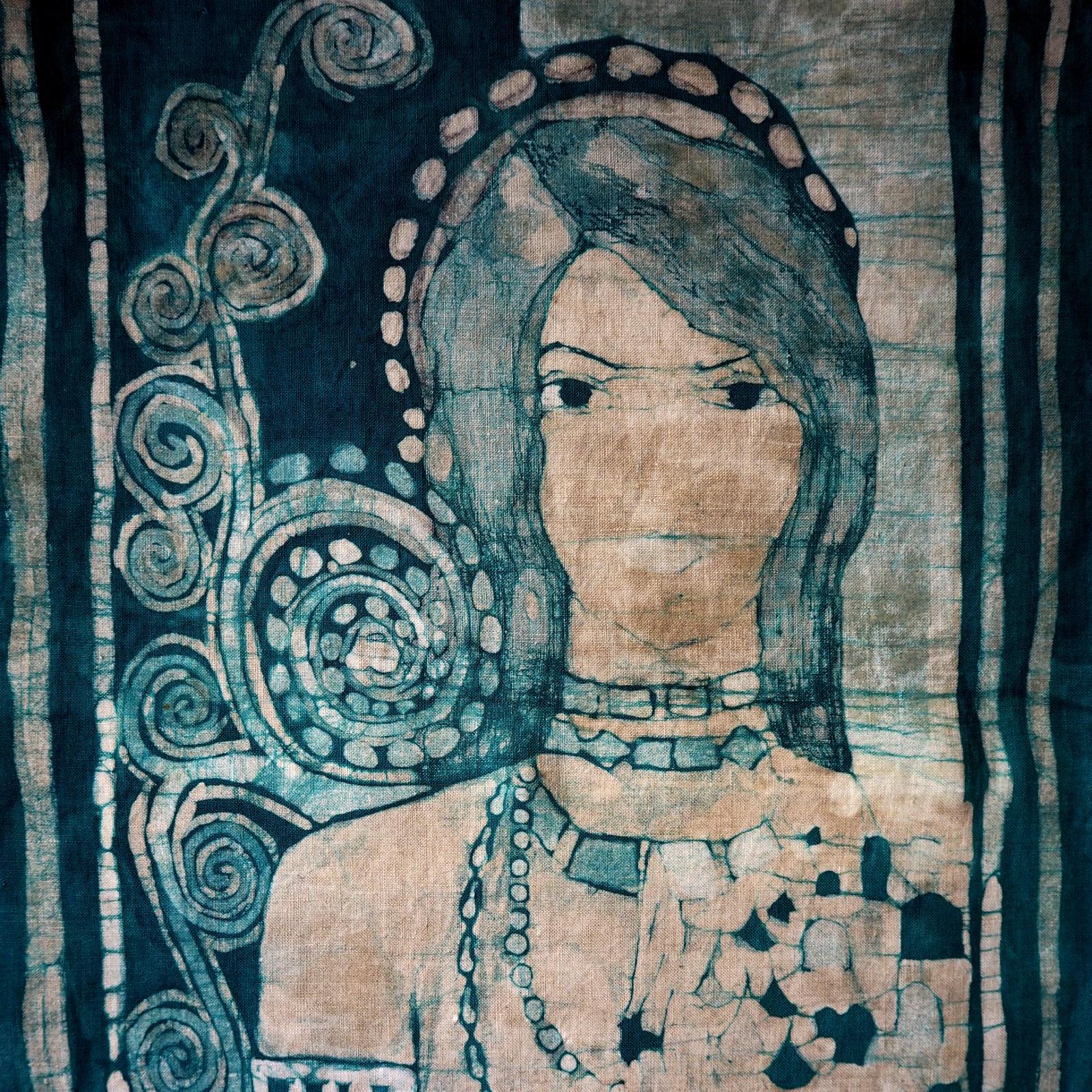 Retrato con tjanting y pincel - teñido verde azuloso