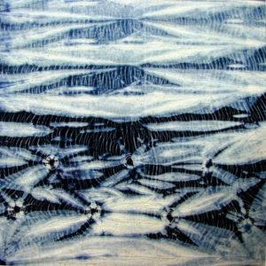 Shibori tela enrollada, amarras pequeñas y amarra a lo largo