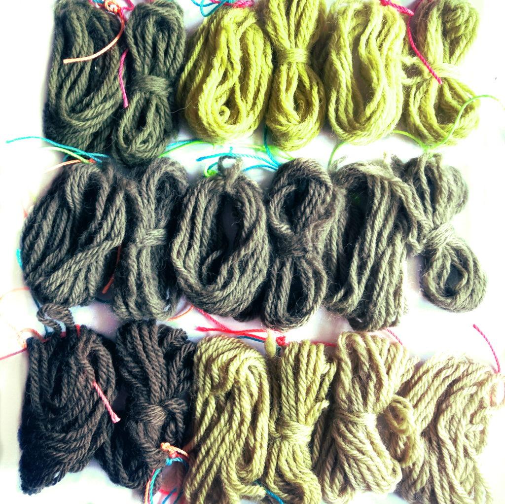 Muestras de teñido con Diente de león sobre lana