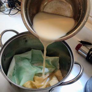 Pre-mordentado de fibras vegetales con leche de soja